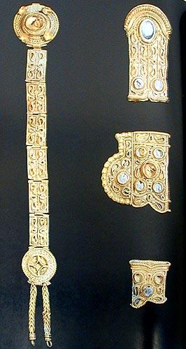 Древнее золото