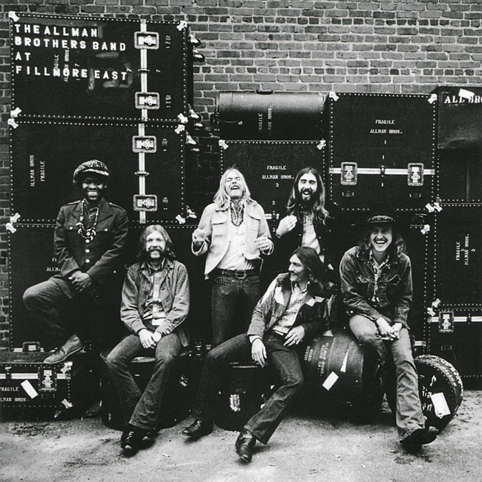 купить The Allman Brothers Band. At Fillmore East. Deluxe Edition (2 CD) по цене 1830 рублей