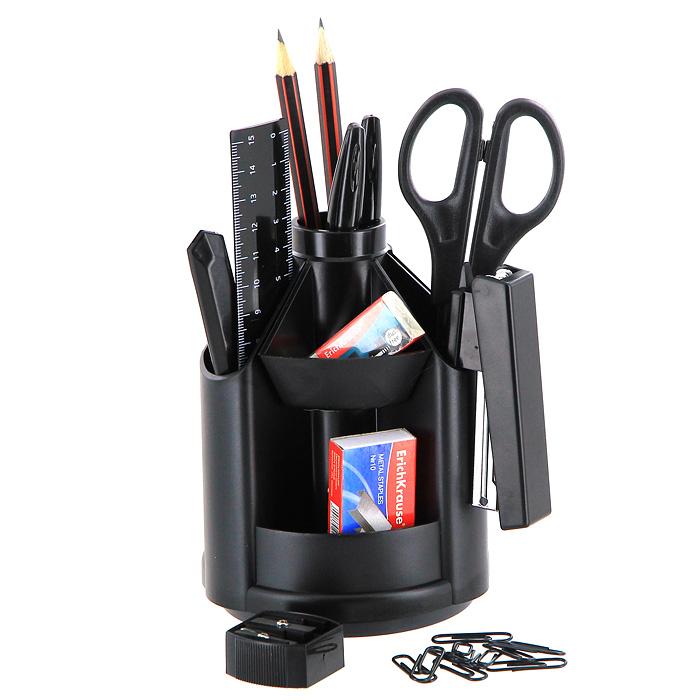 Набор настольный ErichKrause Mini Desk, на вращающейся подставке, черный11Настольный набор Erich Krause Mini Desk - незаменимый атрибут рабочего стола. Набор содержит черную пластиковую подставку на вращающейся основе и оптимальный набор самых необходимых канцелярских принадлежностей: ножницы, 2 чернографитных карандаша с ластиками, двойную точилку для карандашей, линейку на 15 см, степлер, 2 шариковых ручки, ластик, набор из 30 металлических скрепок с покрытием, канцелярский ножик, скобы для степлера (№10). Отточенный дизайн и высокое качество выделяют набор Erich Krause Mini Desk из ряда подобных. Характеристики: Материал: пластик, металл, бумага, грифель, резина. Размер подставки: 14,5 см x 10,5 см x 10,5 см. Длина ножниц: 16,5 см. Длина канцелярского ножика: 13 см. Длина карандаша: 19 см. Длина ручки: 15,5 см. Размер степлера: 9 см x 4 см x 2 см. Размер точилки: 3 см x 3 см x 1,5 см. Размер ластика: 4 см x 2 см x 1 см. Длина линейки: 16 см. Размер упаковки: 19 см x 11 см x 10,5 см. Изготовитель: Россия. Бренд Erich Krause - это полный ассортимент канцтоваров для офиса и школы, который гарантирует безукоризненное исполнение разных задач в процессе работы или учебы, органично и естественно сопровождает вас день за днем. Для миллионов покупателей во всем мире продукция Erich Krause стала верным и надежным союзником в реализации любых проектов и самых амбициозных планов. Высококвалифицированные специалисты Erich Krause прилагают все свои усилия, что бы каждый продукт компании прослужил максимально долго и неизменно радовал покупателей удо... Рекомендуем!