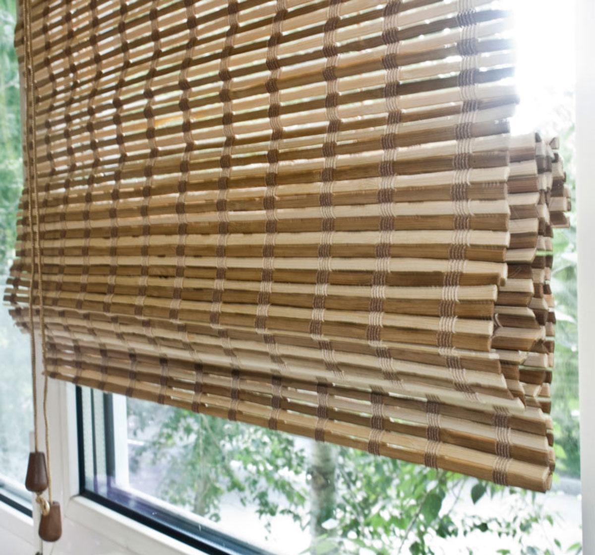 Римская штора Эскар Бамбук, цвет: микс, ширина 60 см, высота 160 см72959060160Римская штора Эскар, выполненная из натурального бамбука, является оригинальным современным аксессуаром для создания необычного интерьера в восточном или минималистичном стиле. Римская бамбуковая штора, как и тканевая римская штора, при поднятии образует крупные складки, которые прекрасно декорируют окно. Особенность устройства полотна позволяет свободно пропускать дневной свет, что обеспечивает мягкое освещение комнаты. Римская штора из натурального влагоустойчивого материала легко вписывается в любой интерьер, хорошо сочетается с различной мебелью и элементами отделки. Использование бамбукового полотна придает помещению необычный вид и визуально расширяет пространство. Бамбуковые шторы требуют только сухого ухода: пылесосом, щеткой, веником или влажной (но не мокрой!) губкой. Комплект для монтажа прилагается. Рекомендуем!