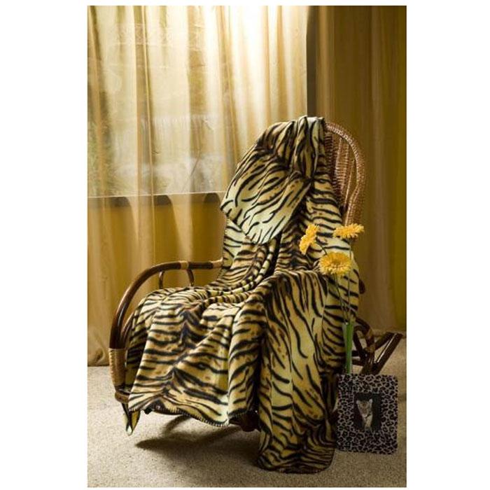 Плед флисовый Тигрица, 150 х 200 смMN 68094EПриятный на ощупь плед имеет двусторонний рисунок. Он добавит комнате уюта и согреет в прохладные дни. Удобный размер этого очаровательного пледа позволит использовать его и как одеяло, и как покрывало для кресла или софы. Такое теплое украшение может стать отличным подарком друзьям и близким! Характеристики: Материал: 100% полиэстер. Размер: 150 см х 200 см. Производитель: Китай. Артикул: ПФ-37019-150.