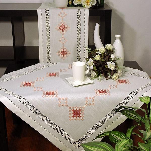 Скатерть Schaefer квадратная, с вышивкой, цвет: белый, 85 x 85 см скатерть schaefer квадратная цвет бежевый золотистый 85 x 85 см 07486 100