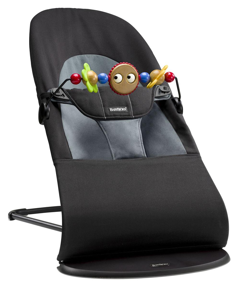 цена на Кресло-шезлонг Babybjorn Balance Soft, с игрушкой, цвет: черный, серый, 3,5-12 кг