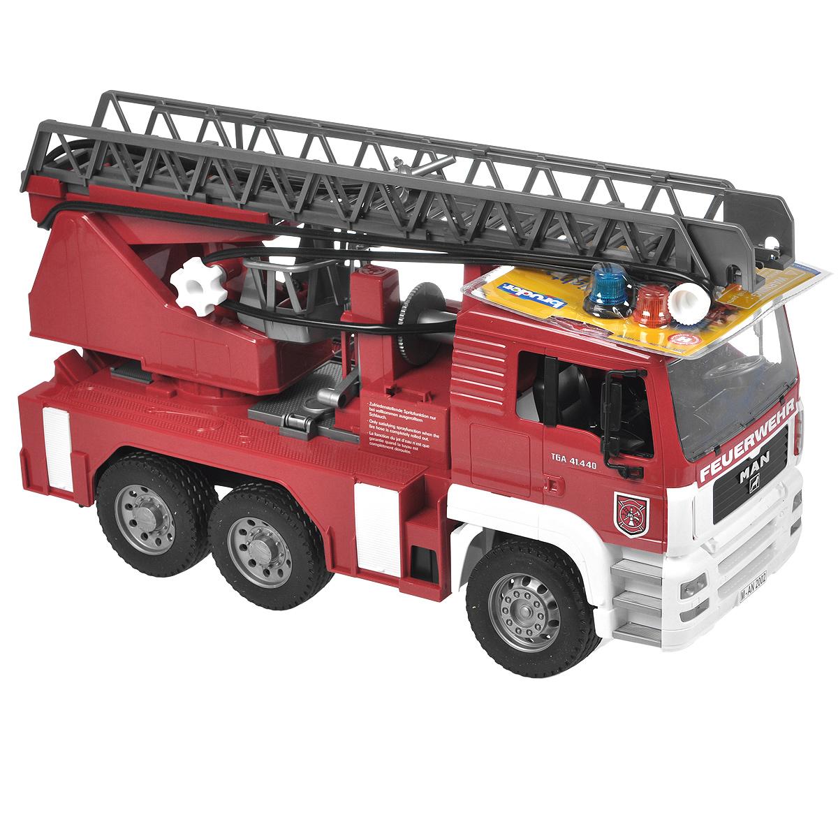 Bruder Пожарная машина MAN bruder пожарная машина mack с выдвижной лестницей и помпой bruder