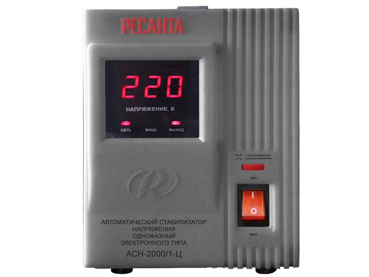 Стабилизатор напряжения Ресанта АСН-2000/1-ЦАсн-2000 н/1-цСтабилизатор напряжения Ресанта АСН-2000/1-Ц предназначен для обеспечения качественного электропитания и долгой работы различных бытовых устройств в условиях нестабильного напряжения в сети. Данный стабилизатор может обеспечивать стабильным питанием, таких потребителей как: морозильные камеры, кофеварочная машина, домашний кинотеатр, сервер. Характеристики: Диапазон входного напряжения, В: 140-260 Номинальная величина выходного напряжения, В: 220±8% Номинальная мощность при Uвх?190 В (кВт): 2 КПД, при нагрузке 80% не менее: 97 Точность поддержания выходного напряжения (%): 8 Класс защиты: IP 20 (негерметизирован). Рекомендуем!