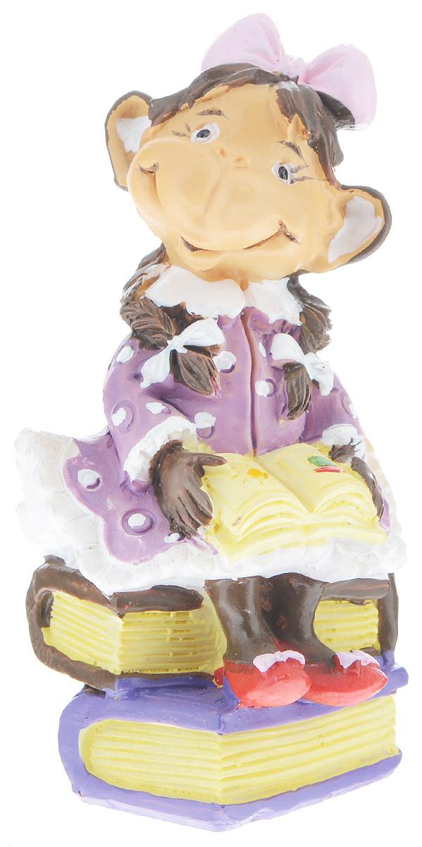 Фигурка декоративная Обезьянка с книгой, высота 8 см фигурка декоративная обезьянка с тортом высота 7 6 см