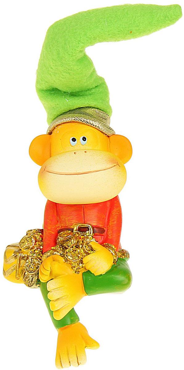 Сувенир Sima-land Обезьянка в колпаке с подарком и монетами, высота 16 см подсвечник декоративный sima land обезьянка в шарфике на шаре высота 13 3 см
