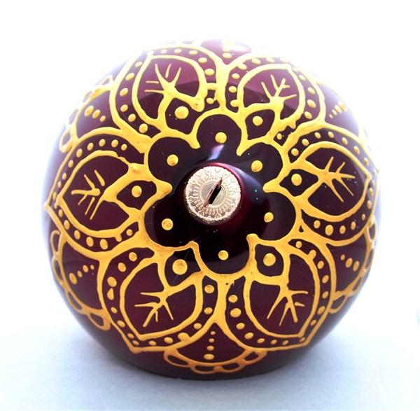 """Новогоднее подвесное украшение """"Шапка Мономаха"""", цвет: бордовый, золотой, диаметр 100мм. Ручная роспись"""