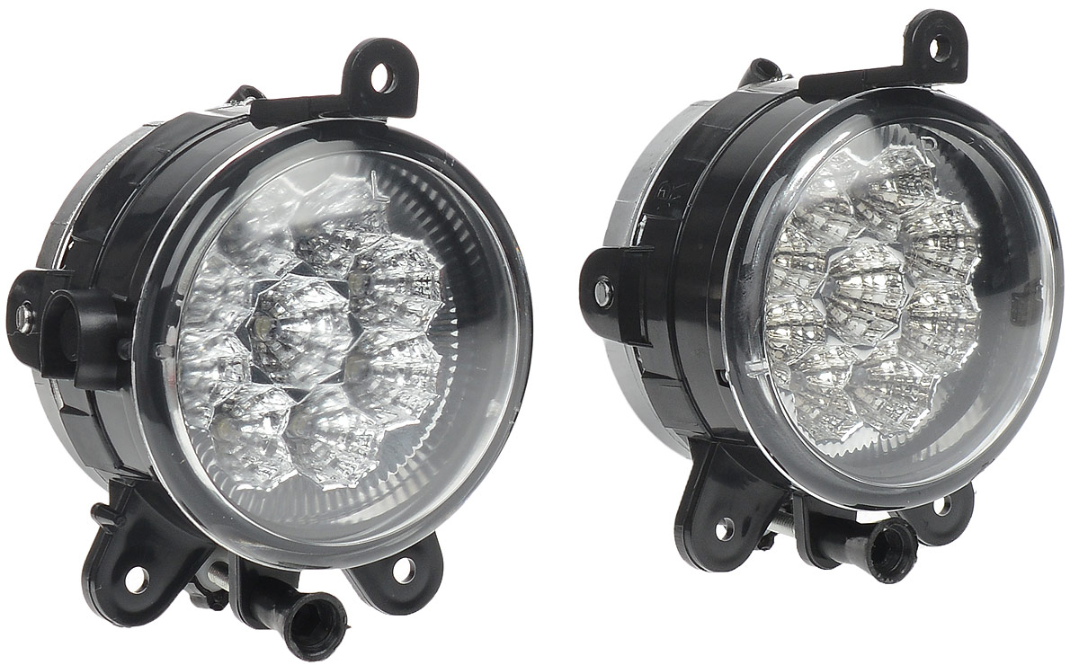 Противотуманные светодиодные фары AVS PF-315L, для Lada Priora, 2 шт43182В тяжелых метеоусловиях, таких как: туман, дождь или снегопад, свет от обычных фар автомобиля, а точнее лучи ближнего и особенно дальнего света, отражаясь и рассеиваясь от мельчайших капель воды и снежинок, создают полупрозрачную пленку, которая уменьшает видимость. Противотуманные фары AVS PF-315L дают плоский и широкий горизонтальный луч, который стелется непосредственно над дорогой, чтобы не освещать толщу тумана по высоте. Напряжение: 12 В. Мощность: 0,1 Вт на каждый светодиод. Диапазон рабочей температуры: от -40°С до +85°С. Температура свечения: 6000 К. Световой поток: 60 Лм. IP защита: 54. Диаметр фар: 90 мм. Количество светодиодов: 9. Цвет: белый.