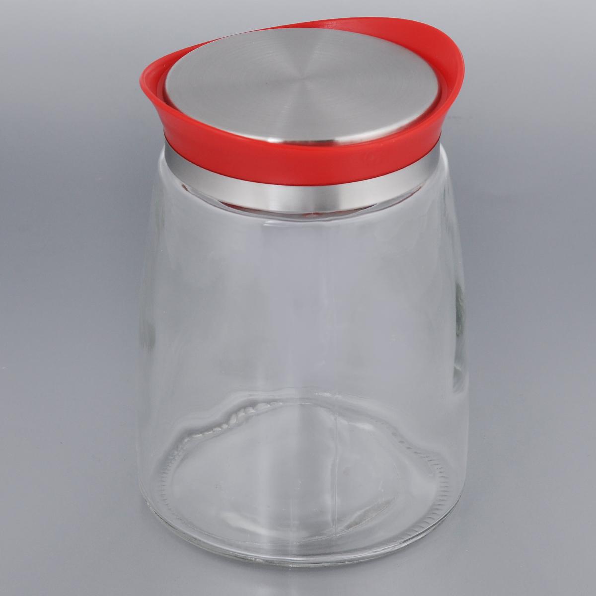 Банка для сыпучих продуктов Bohmann, цвет: красный, 1,3 л01340BHG/NEWЕмкость для сыпучих продуктов Bohmann изготовлена из прочного прозрачного стекла. Банка снабжена пластиковой крышкой с металлической вставкой, которая плотно и герметично закрывается, дольше сохраняя аромат и свежесть содержимого. Изделие предназначено для хранения различных сыпучих продуктов: круп, чая, сахара, орехов и многого другого. Функциональная и вместительная, такая банка станет незаменимым аксессуаром на любой кухне. Диаметр (по верхнему краю): 8,5 см. Высота (без учета крышки): 16,5 см. Высота (с учетом крышки): 17,5 см.