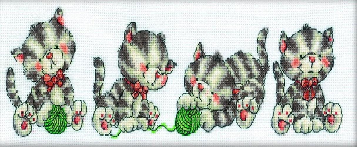 Набор для вышивания крестом RTO Играющие котята, 33 х 10 см набор для вышивания крестом rto котенок с подарком 10 х 10 см