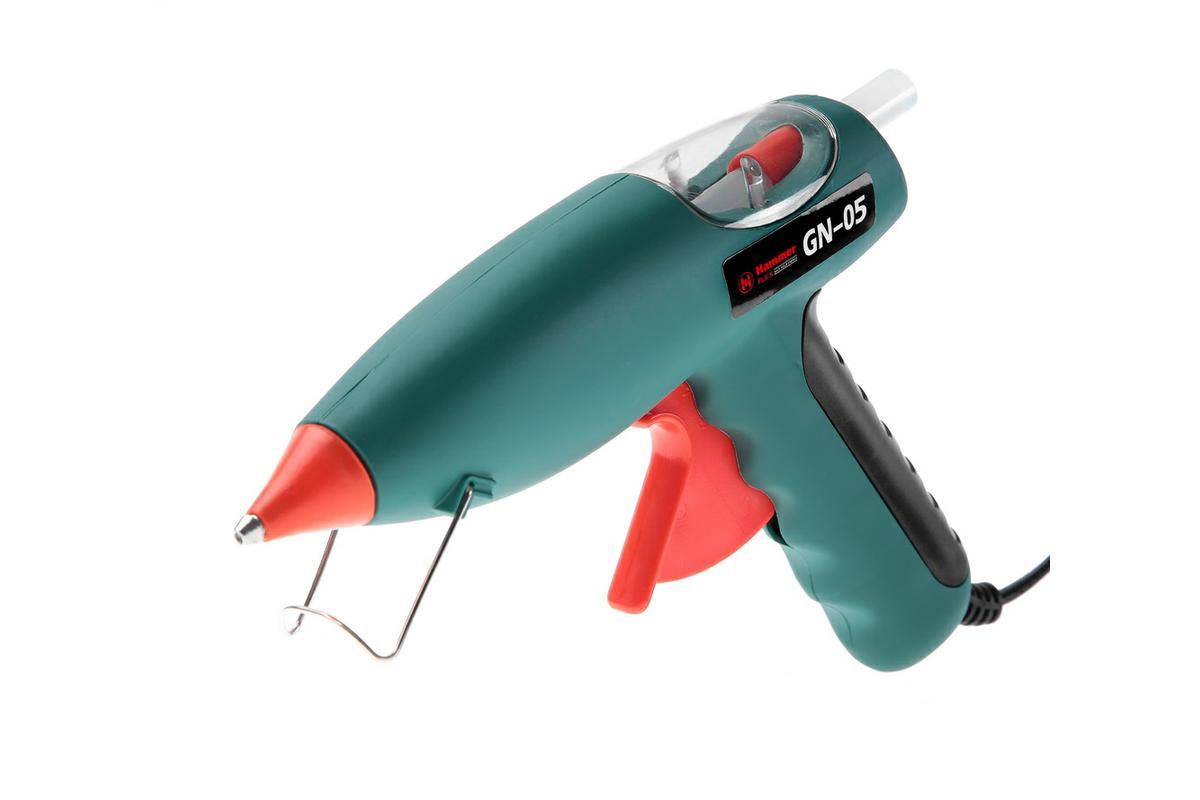 Пистолет клеевой Hammer Flex GN-05273272Пистолет клеевой Hammer Flex GN-05 используется для быстрого и надежного соединения, уплотнения, сборки, ремонта и заполнения технологических отверстий. Склеивает древесину, ткани, картон, бумагу, керамику, пластик в различных сочетаниях при изготовлении моделей, декорировании, составлении цветочных композиций, фиксации проводки. Разогрев до рабочей температуры: до 4 минут. Механическая подача клея для точного дозирования и плавного нанесения в нужном месте. Сменные насадки для дозирования клея.