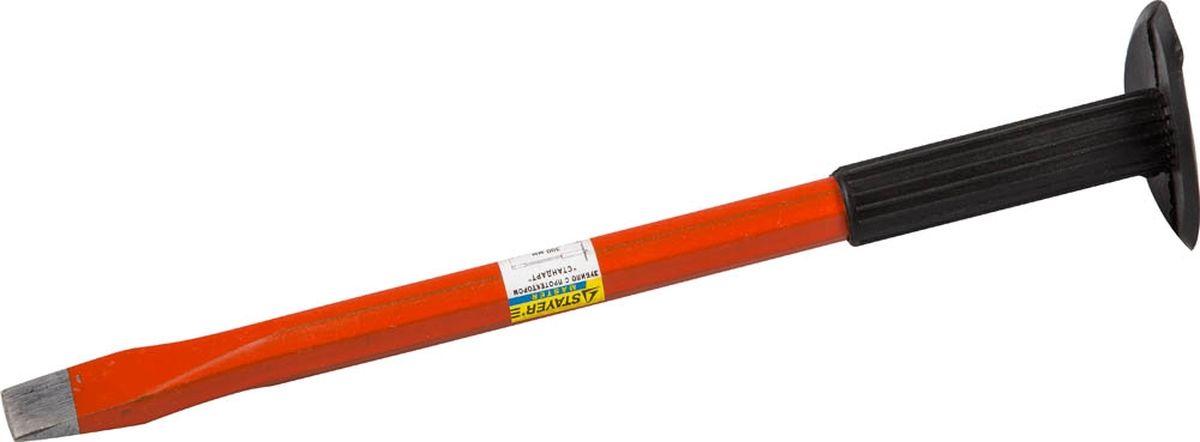 Зубило Stayer Standard, плоская рабочая часть, с протектором, 300 мм2120-30Зубило с протектором STAYER STANDARD- зубило Stayer надежный ударный инструмент для обработки каменных или металлических конструкций, для рубки или раскалывания различных материалов. Используется для демонтажа кирпичных и бетонных конструкций и сооружений, прорубания канавок и пазов, а также для накернивания металла в резьбовых соединениях при его залипании.