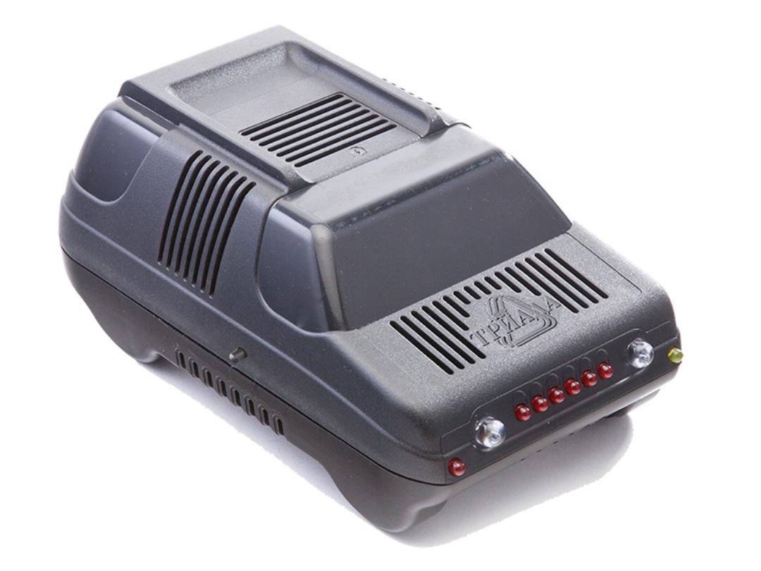 Зарядное устройство Триада BOUSH-50 6/12 А, профессиональное импульсное, 2 режима аккумуляторы для автомобиля 90 ампер
