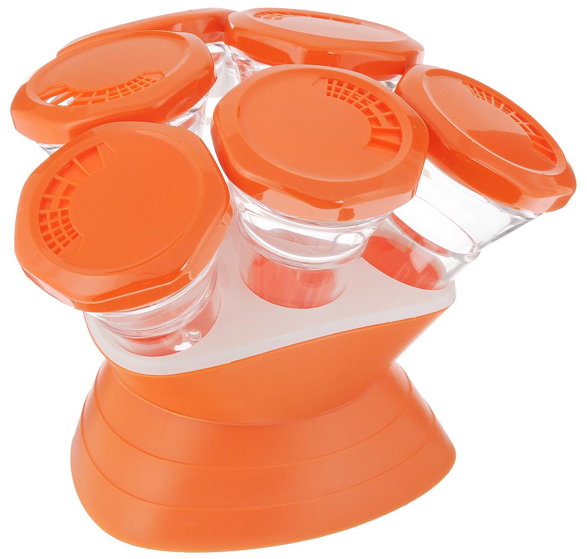 Набор для специй Mayer & Boch, 7 предметов. 2329624193Набор Mayer & Boch состоит из 6 банок для специй и подставки. Баночки изготовлены из акрила. Крышки, выполненные из пластика оранжевого цвета, плотно закрываются и предотвращают высыпание специй. Имеются регулируемые отверстия, с помощью которых можно обильно или слегка приправить блюдо. Баночки идеально подойдут для соли, перца и других специй. Изделия размещаются на специальной подставке. Оригинальный набор эффектно украсит интерьер кухни, а также станет незаменимым помощником в приготовлении ваших любимых блюд. С таким набором специи надолго сохранят свежесть, аромат и пряный вкус. Объем баночек: 70 мл. Высота баночек: 12 см. Диаметр баночек: 6,5 см. Размер подставки: 13,5 х 13,5 х 9 см.