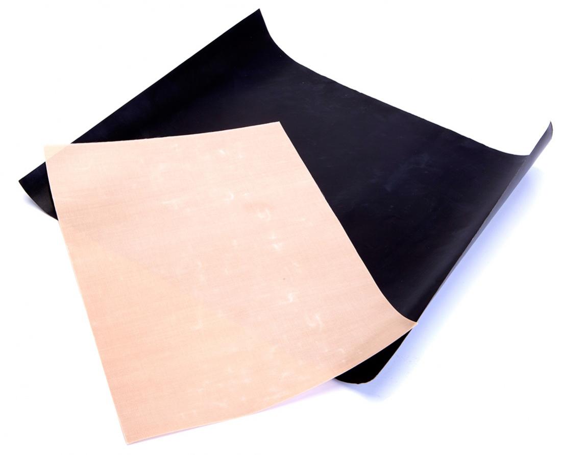 Набор антипригарных ковриков для гриля и духовки BradexTK 0194Набор антипригарных ковриков Bradex - это 2 многофункциональных коврика разных размеров с антипригарным покрытием, способствующие идеальному пропеканию блюд в духовке и на гриле. Еда не пригорает, не липнет и не требует использования растительного масла, а противень, решетки гриля и духовки остаются чистыми, как до готовки. Коврики не впитывают запахи, их легко мыть и удобно хранить.Рекомендуемая температура использования не более 200°C. В комплекте 2 коврика: черный для приготовления блюд на гриле, бежевый - в духовке. Размер черного коврика: 40 х 33 см, толщина 0,2 мм. Размер бежевого коврика 34 х 23,5 см, толщина 0,12 мм. Рекомендуем!