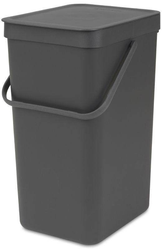 Ведро мусорное Brabantia Sort & Go, встраиваемое, цвет: серый, 16 л. 109966109966Идеальное решение для раздельного сбора домашних отходов. Может использоваться на полу или крепиться к стене – в комплект входит настенный держатель. Прочная ручка и удобный захват снизу для удобства освобождения от мусора. Имеются идеально подходящие по размеру мешки PerfectFit (размер D) – удобно устанавливаются в ведро.