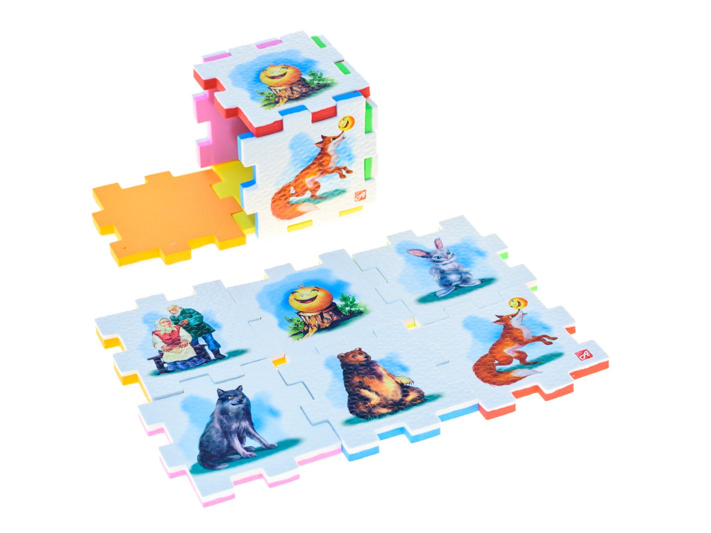 """Пазл для малышей АНДАНТЕ 282351282351Мягкий пазл кубик для малышей Нескучный кубик КОЛОБОК - это развивающее пособие-игрушка, которое призвано в легкой игровой форме помочь ребенку познакомиться с окружающим миром, изучить цвета, формы, развить логическое и ассоциативное мышление.Пазл выполнен из мягкого, прочного, нетоксичного и абсолютно безопасного материала и состоит из 6 пластин, которые составляются в кубик. На одну из сторон каждой пластины нанесен тематический рисунок, вторая – одноцветная.Кубик """"Колобок"""" можно использовать как наглядное пособие для сказочных игр с ребенком, например как демонстрационный материал, выкладывая героев в соответствующей последовательности. В дальнейшем ребенок самостоятельно будет играть с любимыми героями, рассказывать сказки и устраивать представления, развивая воображение и устную речь.Из деталей можно конструировать не только кубик из 6 элементов! Попробуйте использовать несколько кубиков и собрать форму побольше — из 10-12 деталей, либо кубик из 24 элементов, у которого каждая сторона будет состоять из 4-х картинок. Так же можно сложить с ребенком необычный коврик из деталей кубика.Позвольте ребенку поиграть самому — он сможет сконструировать разные формы и фигуры, которые подскажет ему его воображение."""