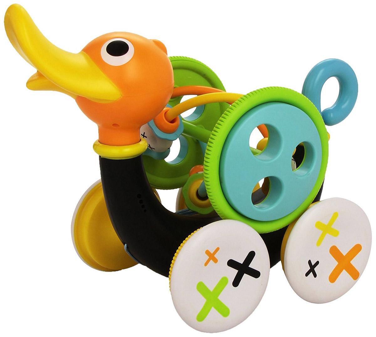 Yookidoo Каталка-лабиринт Музыкальная уточка40111С развивающей игрушкой Yookidoo Музыкальная уточка малыш научится совершать свои первые шаги. Игрушка выполнена из прочного безопасного пластика. Ребенок тянет за веревочку (которая располагается в теле уточки), и игрушка едет вперед, при этом она свистит и издает забавные звуки. Звуки включаются только тогда, когда игрушка едет. Для того, чтобы насладиться игрой, малыш должен учиться шагать вперед и при этом тянуть уточку за собой. Если ребенку надоест музыкальное сопровождение, то его можно отключить, повернув хвостик Уточки. Кроме этого, дополнительно в набор входит большая игрушка-погремушка, которая крепится к телу Уточки. Погремушку можно снимать и использовать как отдельную игрушку. На игрушке располагаются различные элементы, которые малыш может перетаскивать пальчиками из стороны в сторону. Музыкальная уточка учит малыша ходить, развивает мелкую моторику рук, логику, слуховое восприятие. Она обязательно понравится малышу и доставит ему много удовольствия. Для работы игрушки необходимы 3 батарейки напряжением 1,5V типа АА (LR6) (не входят в комплект).