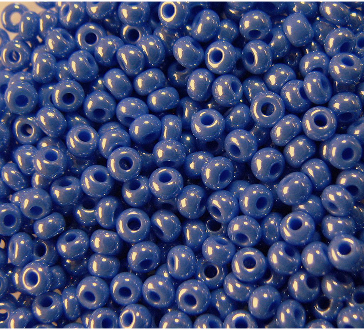 Бисер Preciosa непрозрачный с покрытием, 10/0, 20 г. 331-19001-10/0-38040 бисер preciosa ассорти непрозрачный глянцевый цвет светло лиловый 03195 10 0 20 г