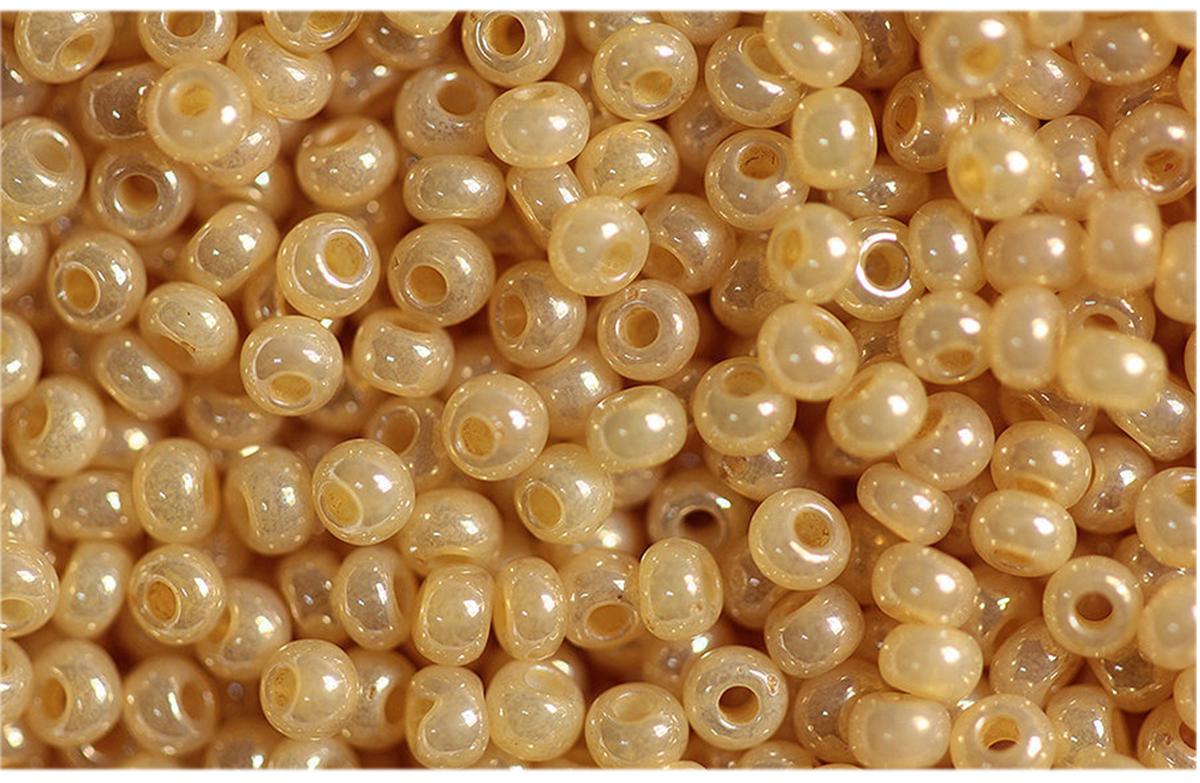 Бисер Preciosa, непрозрачный, глянцевый, цвет: бежевый (47112), 10/0, 5 г бисер preciosa непрозрачный глянцевый цвет салатовый 53230 10 0 5 г