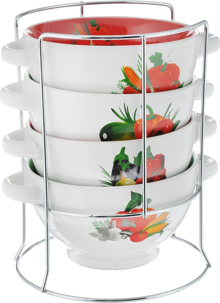 Набор супниц Loraine, на подставке, 500 мл, 4 предмета24832Для хозяек, предпочитающих современный и яркий дизайн, эти супницы будут отличным кухонным сервизом. Чашки белого-зеленого цвета с рисунком Овощи сделаны из биокерамики. Сервиз подчеркнет Ваш стиль и индивидуальность. Набор очень удобны в использовании, благодаря подставке он очень компактно расположится на вашей кухне.Пригоден для использования в микроволновой печи, холодильнике. Можно мыть в посудомоечной машине. Набор супницы Mayer&Boch - идеальный и необходимый подарок для вашего дома и для ваших друзей. Рекомендуем!