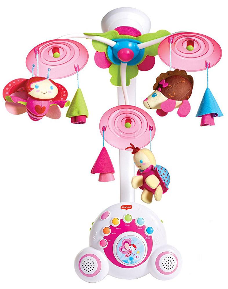 Tiny Love Музыкальный мобиль Бум-бокс1109000458Яркий музыкальный мобиль Бум-бокс - это оригинальная музыкальная игрушка, создающая атмосферу уюта и спокойствия в детской комнате. Под приятные мелодии на мобиле медленно вращаются три игрушки. Основные особенности мобиля Бум-бокс: уникальный механизм движения; верхняя подсветка; 6 разновидностей музыки, 18 различных мелодий; кнопка воспроизведения мелодий в случайном порядке; два высококачественных динамика звенья и кольца; успокаивающая ночная подсветка; отдельная переносная музыкальная шкатулка; три мягкие игрушки: божья коровка, бабочка и ежик; специальная кнопочка для малыша, на которую он будет с удовольствием нажимать; автоматическое выключение; шесть уровней регулировки громкости; мобиль автоматически выключается после 40-минутной музыкальной композиции.Подвесные игрушки привлекут внимание малыша и помогут развитию зрения и цветового восприятия, а мелодичные звуки разовьют звуковое восприятие.Необходимо докупить 3 батареи напряжением 1,5V типа 3C/LR44 (не входят в комплект). Рекомендуем!