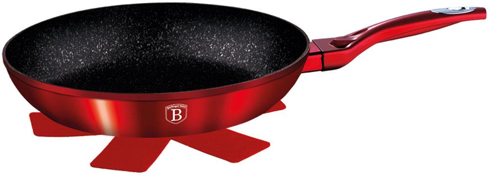 Сковорода Berlinger Haus Burgundy Metallic Line, с подставкой под горячее. Диаметр 24 см подставка д чашек berlinger haus carbon metallic passion collection 33см нерж сталь карбон