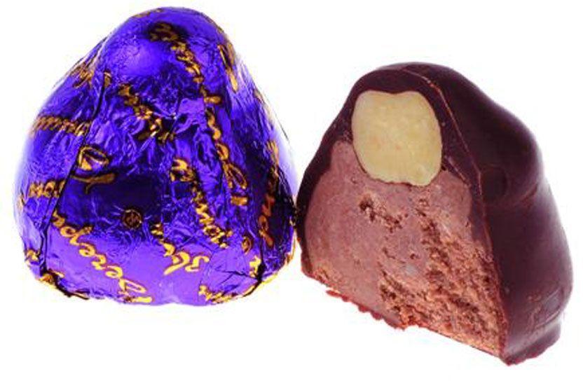 Фото - Рот-Фронт Вечерний звон конфеты с пралине в шоколадной глазури, 250 г рот фронт коровка конфеты со вкусом топленое молоко в шоколадной глазури 250 г