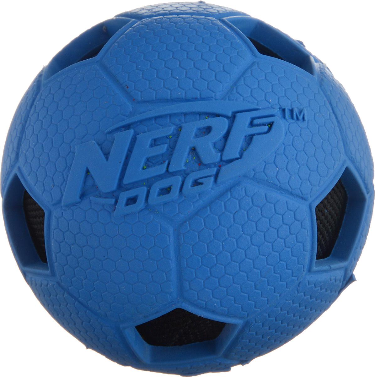 Игрушка для собак Nerf Мяч футбольный, диаметр 6 см22316_синий, черныйИгрушка для собак Nerf Мяч футбольный выполнена из резины в форме футбольного мяча с рельефным рисунком и нейлоновым хрустящим мячом внутри. Такая игрушка порадует вашего любимца, а вам доставит массу приятных эмоций, ведь наблюдать за игрой всегда интересно и приятно. Диаметр игрушки: 6 см.