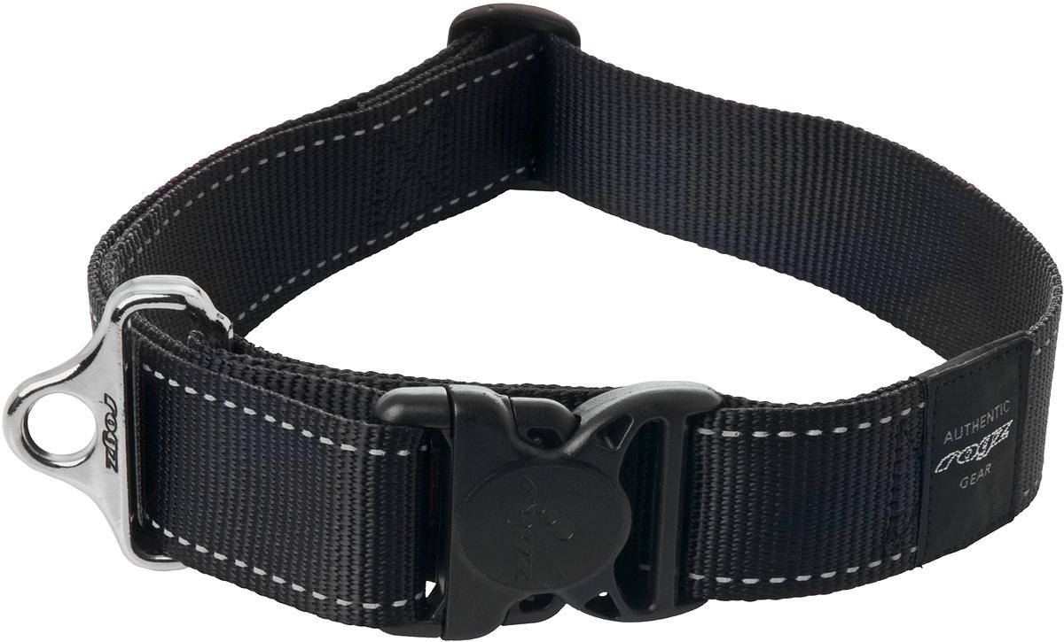 Ошейник для собак Rogz Utility, цвет: черный, ширина 4 см. Размер XXLHB19AОшейник для собак Rogz Utility  со светоотражающей нитью, вплетенной в нейлоновую ленту, обеспечивает лучшую видимость собаки в темное время суток. Специальная конструкция пряжки Rog Loc - очень крепкая (система Fort Knox). Замок может быть расстегнут только рукой человека. Технология распределения нагрузки позволяет снизить нагрузку на пряжки, изготовленные из титанового пластика, с помощью правильного и разумного расположения грузовых колец.Особые контурные пластиковые компоненты. Специальная округлая форма конструкции позволяет ошейнику комфортно облегать шею собаки.Выполненные специально по заказу Rogz литые кольца гальванически хромированы, что позволяет избежать коррозии и потускнения изделия.