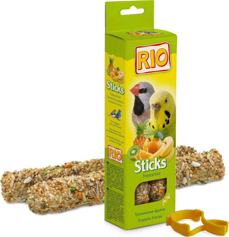 Лакомство для волнистых попугайчиков и экзотов RIO Sticks, с тропическими фруктами, 2 х 40 г rio rio палочки для средних попугаев с тропическими фруктами 2 шт 75 г