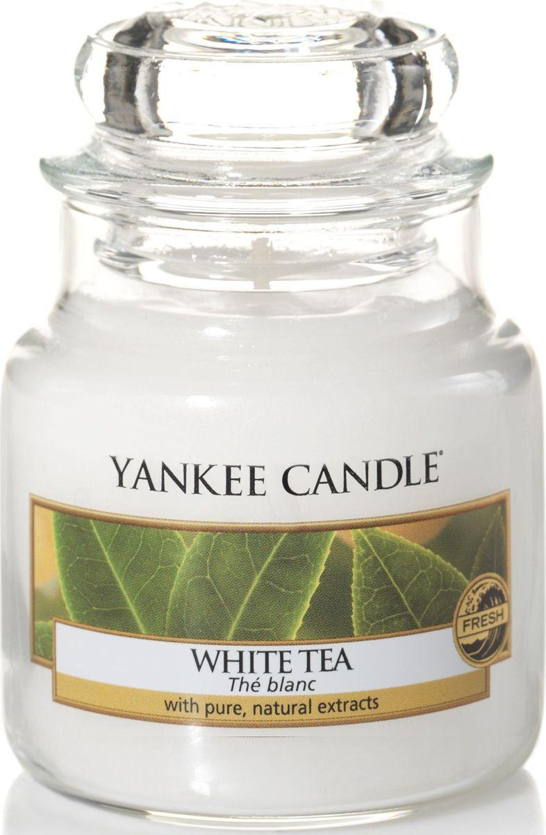 Ароматическая свеча Yankee Candle Белый чай / WhiteTea, 25-45 ч ароматическая свеча yankee candle lavender small jar candle объем 104 г