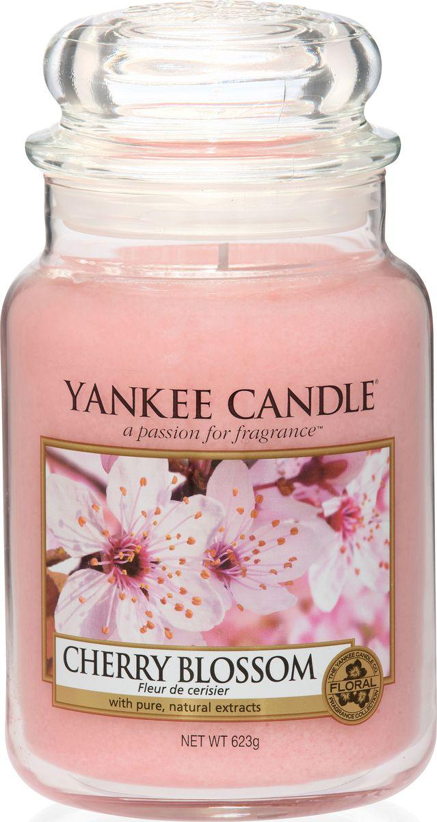 Ароматическая свеча Yankee Candle Цветущая вишня / Cherry Blossom, 110-150 ч ароматическая свеча yankee candle дикая мята wild mint 110 150 ч