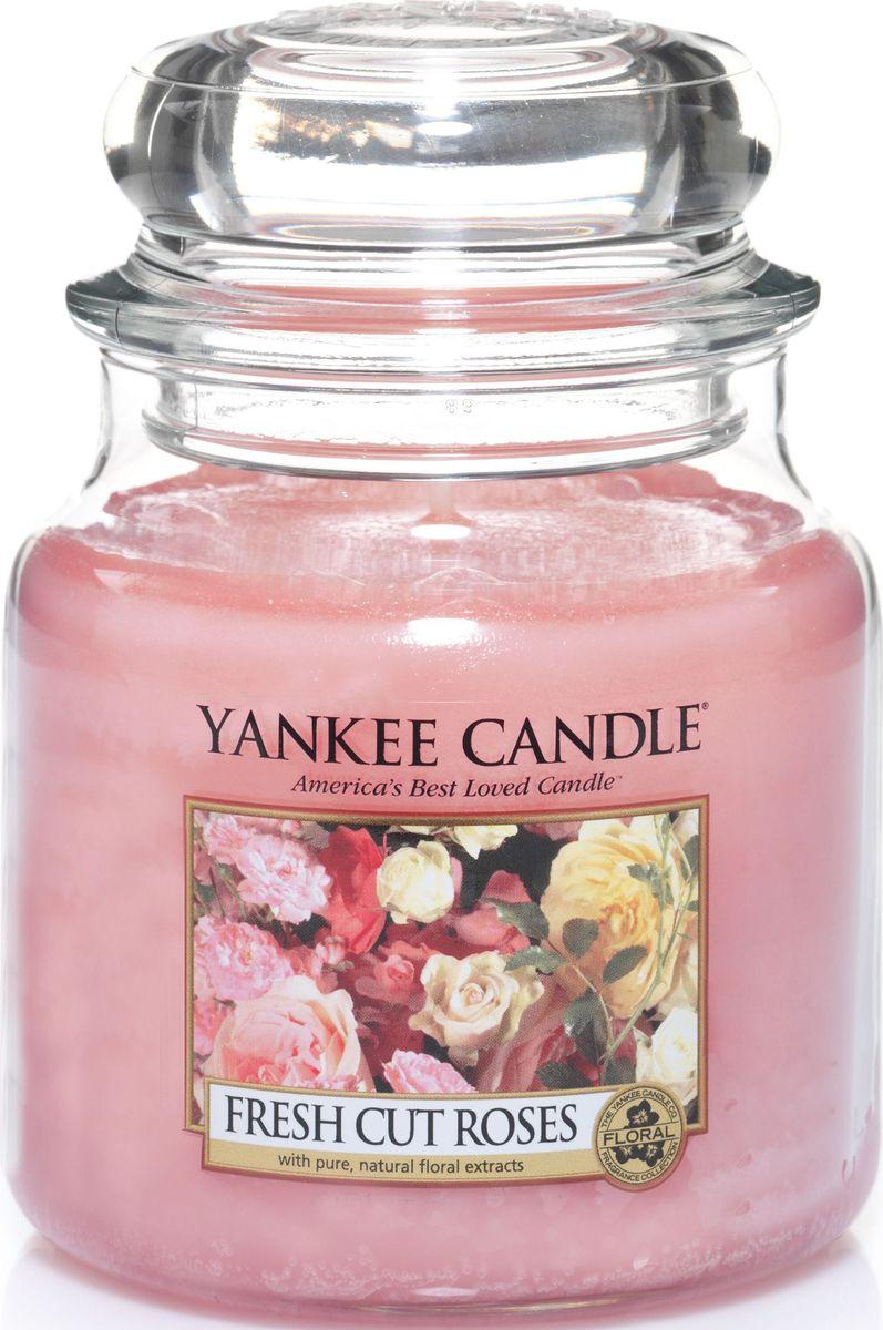 Ароматическая свеча Yankee Candle Свежесрезанные розы / Fresh Cut Roses, 65-90 ч свеча столбик уютный мускус actuel ароматическая
