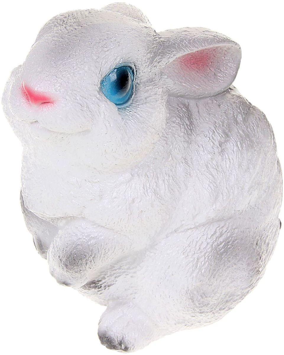 Фигура садовая Premium Gips Зайчишка, цвет: белый, серый, 15 х 10 х 18 см фигура садовая premium gips семья ежиков под грибом 22 х 26 х 28 см