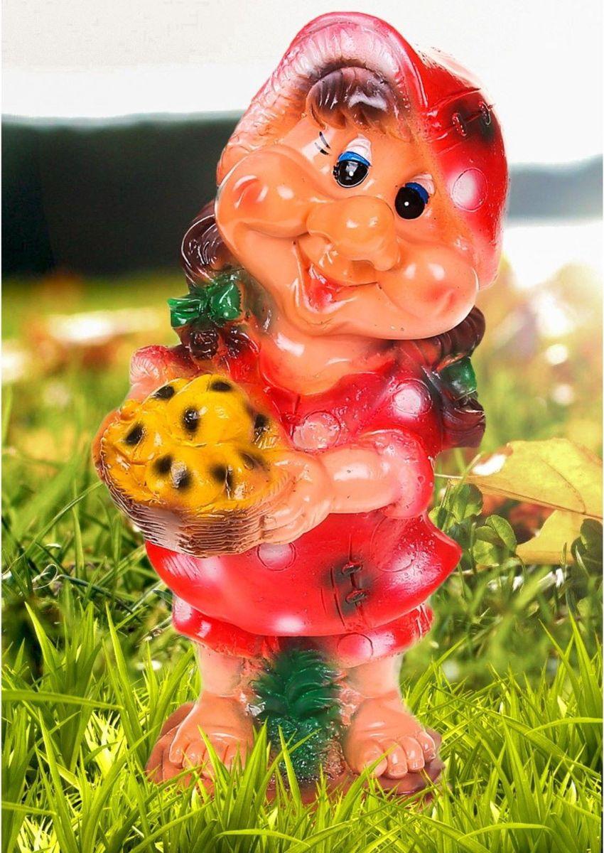"""Фигура садовая """"Гномиха с корзиной в малиновом платье"""", 16 х 20 х 40 см"""