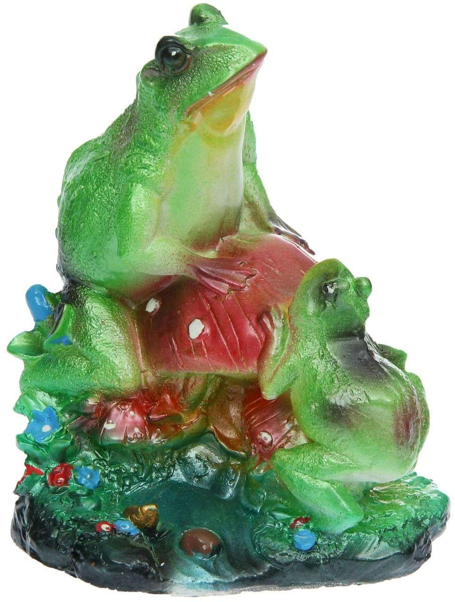 Фигура садовая Premium Gips Лягушки на грибе, 17 х 14 х 22 см фигура садовая premium gips сидящий заяц 24 х 17 х 31 см