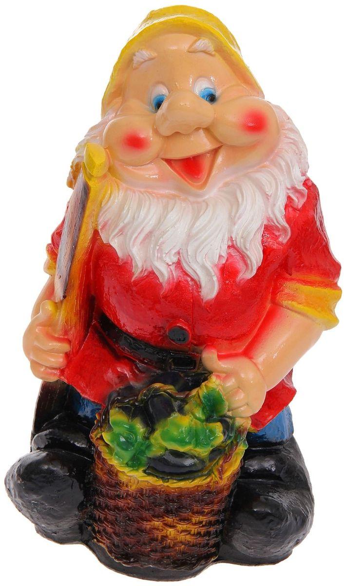 """Фигура садовая """"Гном с баклажанами в красном кафтане"""", 36 х 19 х 16 см"""