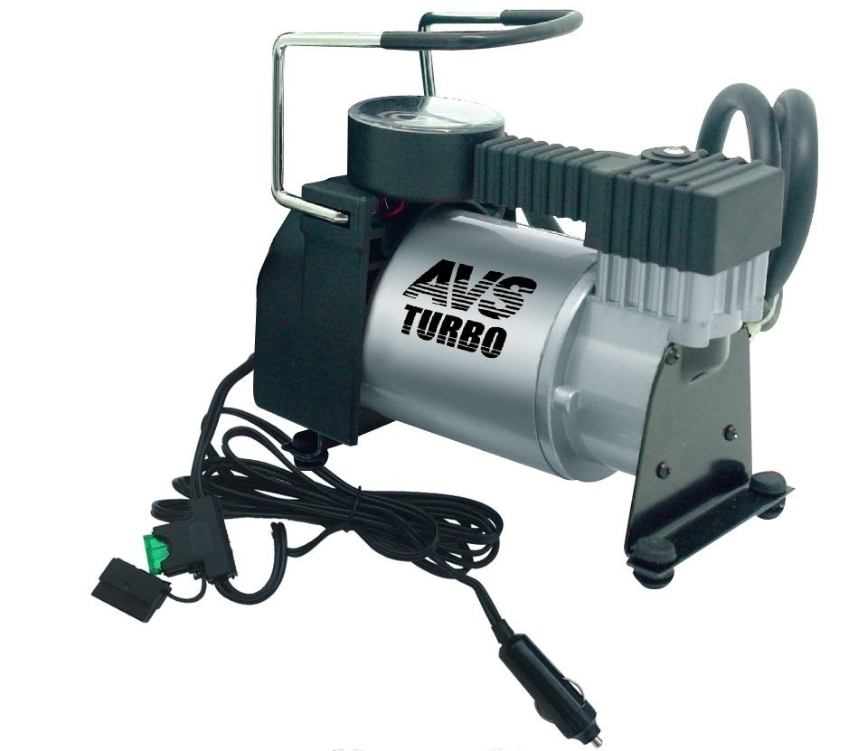 Компрессор автомобильный AVS KA58043001Автомобильный компрессор AVS KA580 предназначен для накачки воздухом шин легковых и коммерческих автомобилей. Рабочее напряжение компрессора - 12В. Высокая производительность делает возможным более широкое применение. Автомобильный компрессор может быть использован для накачки мячей, матрасов, проведения покрасочных работ. Преимущества: Высокотехнологичная сборка (основные детали сделаны из нержавеющей стали). Высокоточный двухшкальный манометр. Резиновые ножки. Автоматическая система защиты от перегрева. Набор насадок и сумка для хранения в комплекте. Рекомендуем!