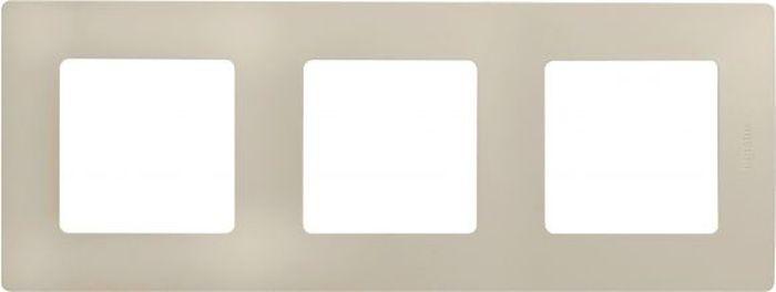Рамка электроустановочная Legrand Etika, цвет: слоновая кость, на 3 поста рамка для розеток и выключателей valena 3 поста цвет алюминий