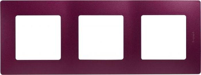 Рамка электроустановочная Legrand Etika, цвет: сливовый, на 3 поста рамка для розеток и выключателей bjb basic55 2 поста цвет чёрный