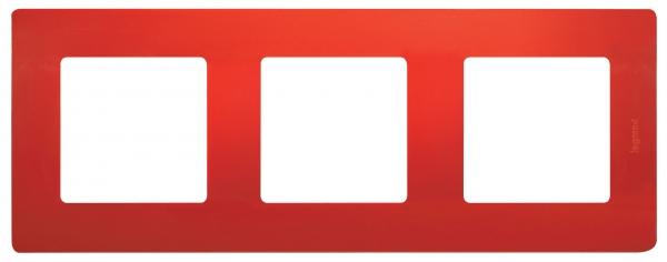 Рамка электроустановочная Legrand Etika, цвет: красный, на 3 поста рамка для розеток и выключателей valena 3 поста цвет алюминий