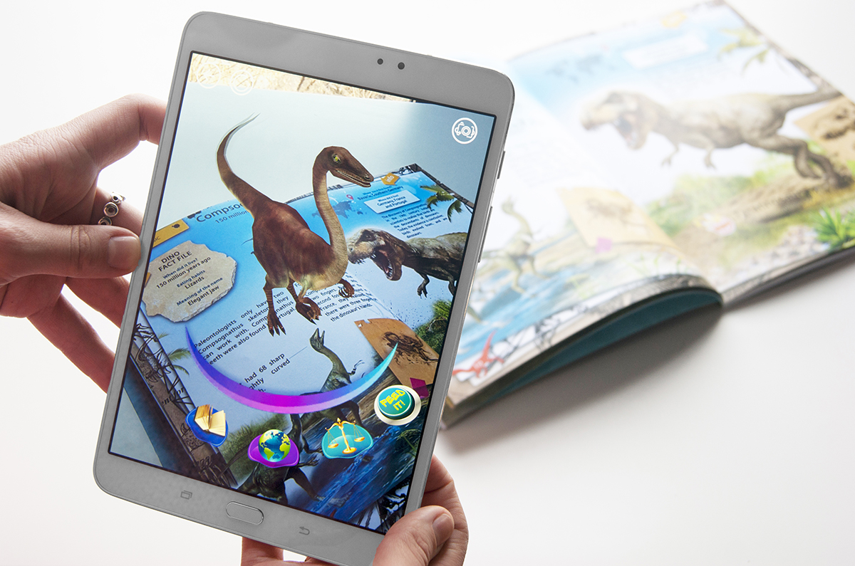Книга Devar. Динозавры. 4D Энциклопедия в дополненной реальности