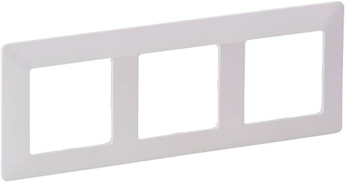 Рамка электроустановочная Legrand Valena Life, цвет: белый, на 3 поста рамка для розеток и выключателей valena 3 поста цвет алюминий