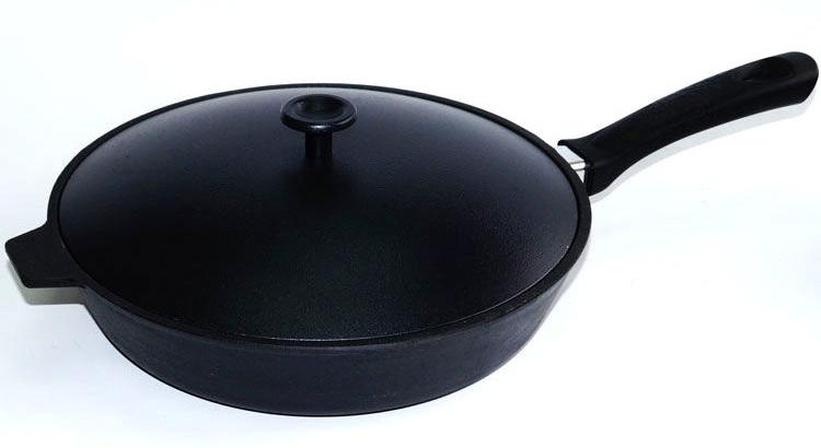 Сковорода чугунная Добрыня, с алюминиевой крышкой. Диаметр 26 см. DO-3321 сковорода чугунная добрыня с крышкой диаметр 26 см do 3318