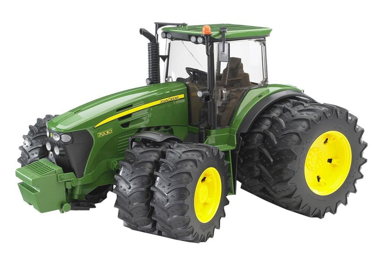 Bruder Трактор John Deere 7930 с двойными колесами игрушка bruder john deere 1210e трактор с прицепом манипулятором и брёвнами 02 133