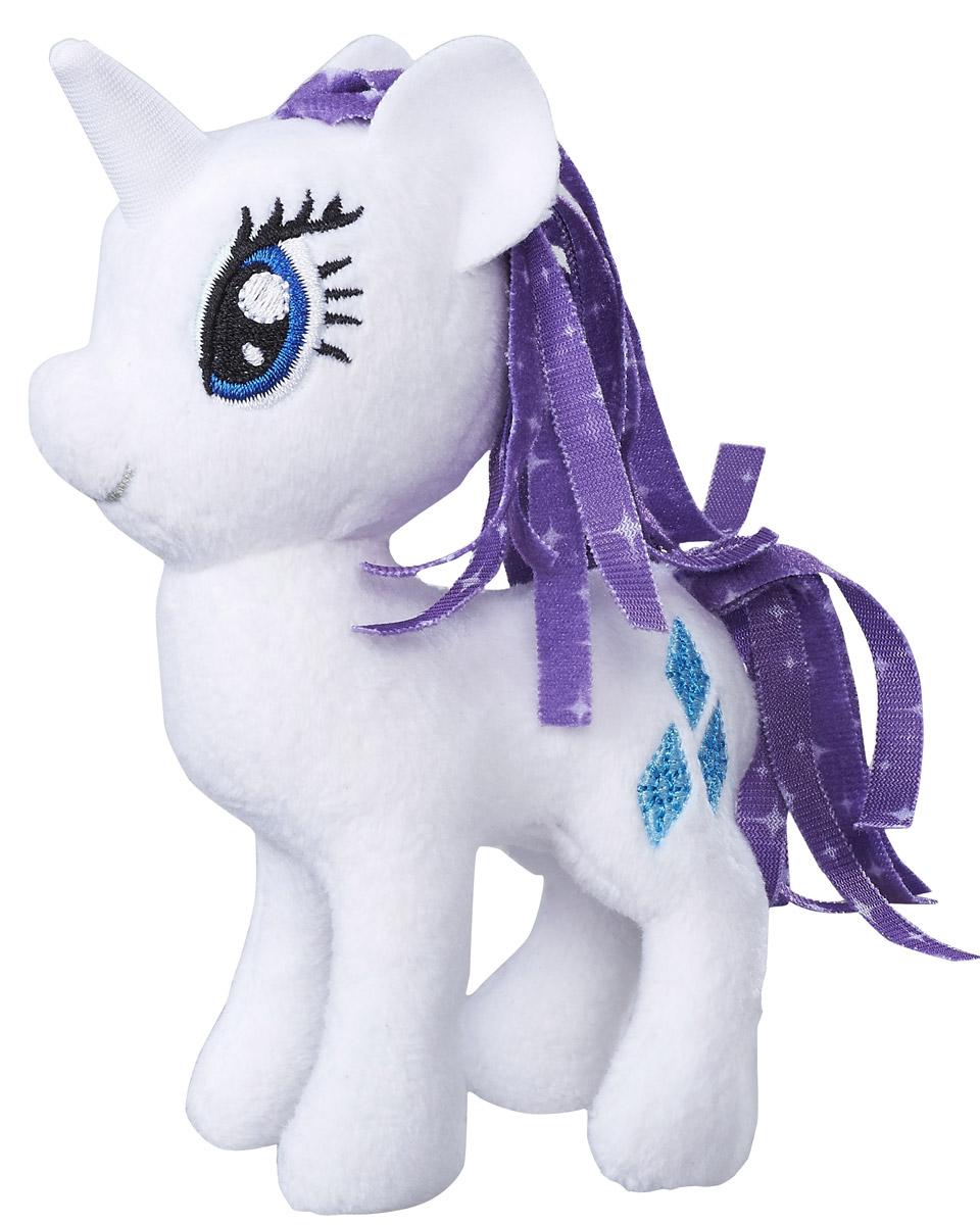 My Little Pony Мягкая игрушка Пони Rarity 13 смB9819_C0104_RarityРарити - талантливый единорог, который представляет собой элемент гармонии - щедрость. Ее питомец кошечка Опалесенс (сокращенно Опал), которая помогает ей работать в ее собственном магазине модной одежды.Мягкая игрушка Пони Rarity станет самым лучшим другом вашей дочурки. У пони оригинальный окрас, огромные глазки, и знак отличия - кьюти марка в виде трех ромбовидных бриллианта.Размеры Рарити позволяют вашему ребенку брать ее с собой как на прогулку, так и в кроватку, где в обнимку со своей любимой лошадкой кроха моментально уснет.