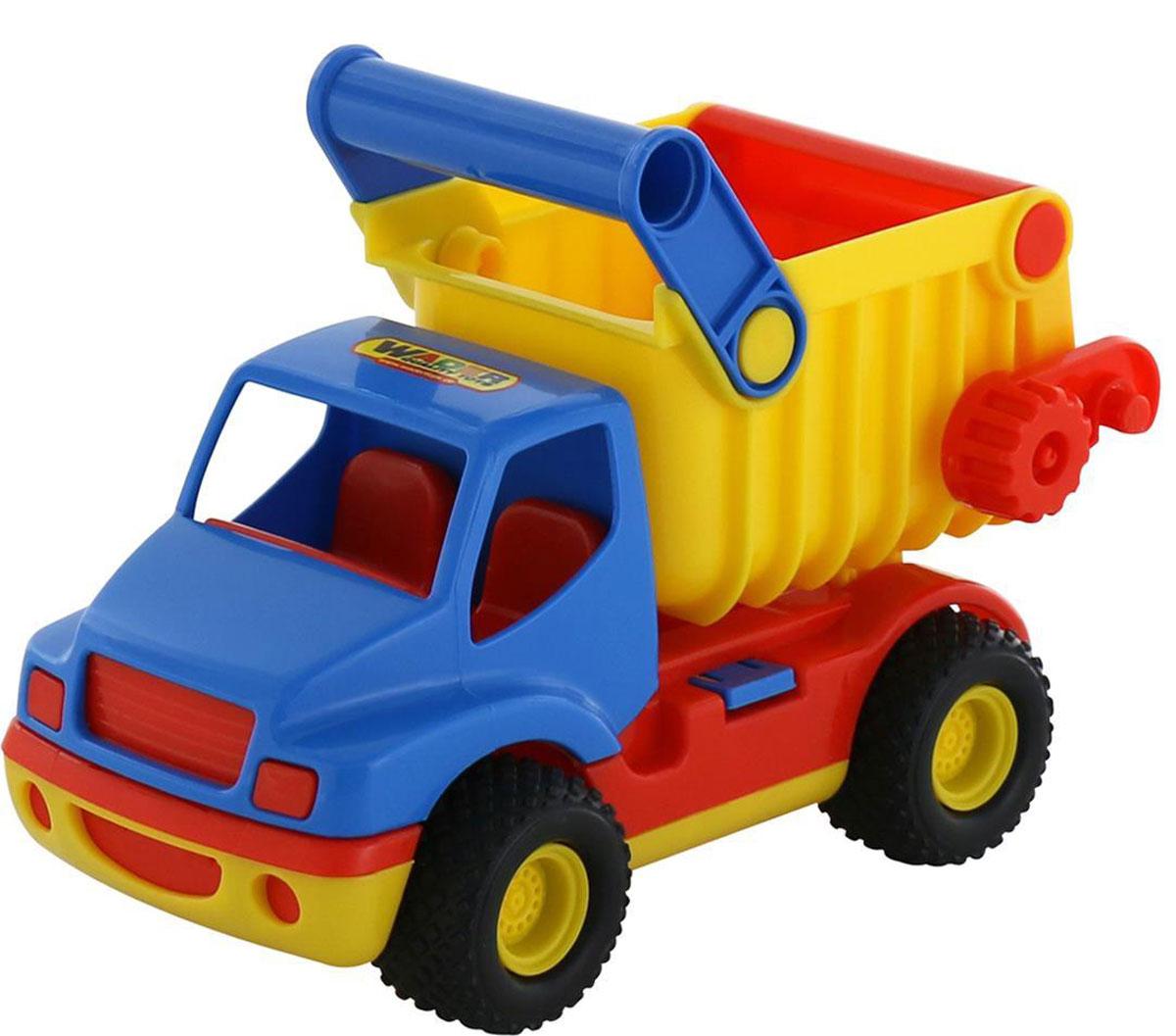 Полесье Самосвал КонсТрак, цвет в ассортименте37671Самосвал Полесье КонсТрак выполнен из высококачественного материала и обладает уникальным дизайном, способным порадовать каждого. Грузовик имеет специальную ручку на кузове, за которую его очень удобно носить с собой. В кабину можно посадить фигурку водителя. Кузов машинки легко поднимается и опускается, в него можно загрузить все, что понадобится малышу.Ваш ребенок с удовольствием будет играть с самосвалом, как дома, так и на улице в песочнице. Уважаемые клиенты! Обращаем ваше внимание на цветовой ассортимент товара. Поставка осуществляется в зависимости от наличия на складе.