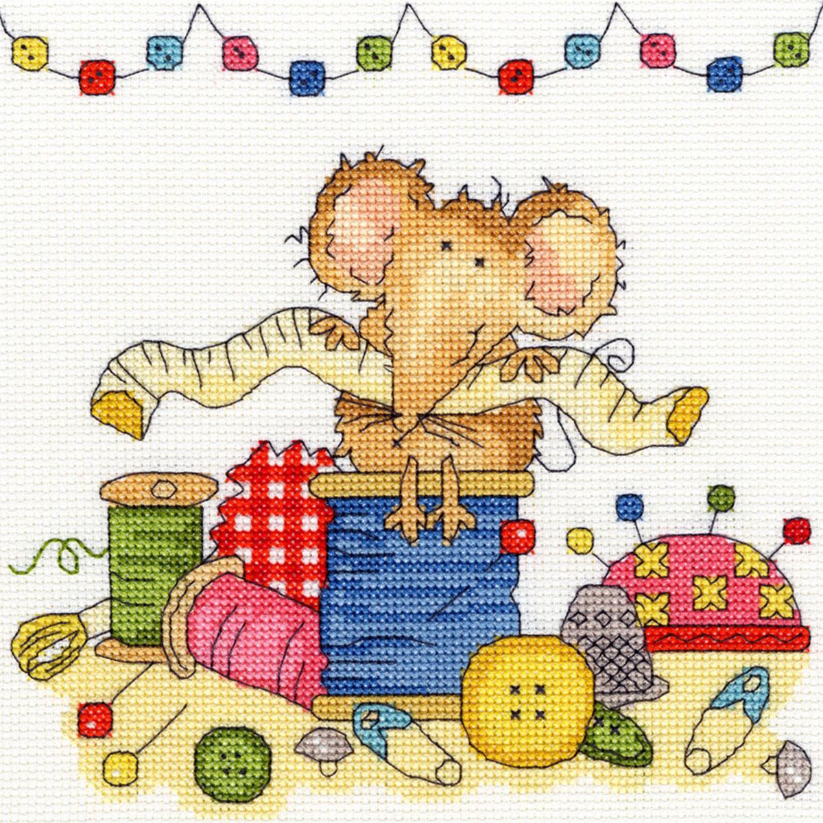 Набор для вышивания крестом Bothy Threads Мышка шьет, 18 x 18 см набор для вышивания крестом bothy threads мышка шьет 18 x 18 см